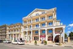 Корпус отеля Валентина - автобусный тур в Витязево из Рязани