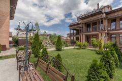 Территория гостевого дома Прованс  - автобсуный тур в Дивноморское из Рязани